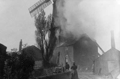 Mill on fire 4th May 1913