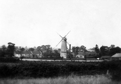 Mill becoming derelict c.1925