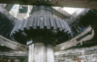 Main shaft and wallower on the 5th floor c.1982