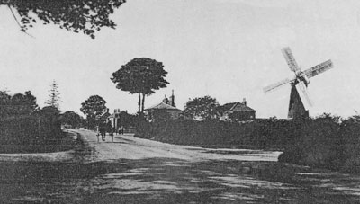 c.1905 with Brickmakers pub centre under the trees