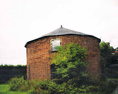 Roundhouse at South Elmham that held the buck of Starston postmill 2001