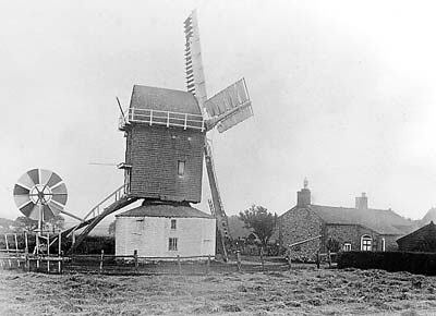 Mill working c.1904