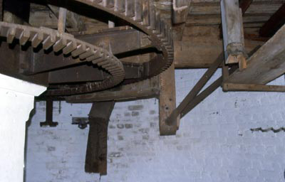 Great spur wheel October 2003