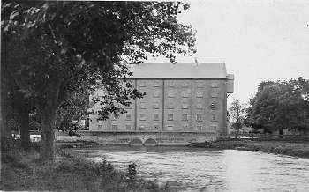 Mill and millpond c.1920