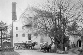 Carts leaving the mill 15th February 1905