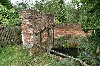Wheel sluice 25th August 2003