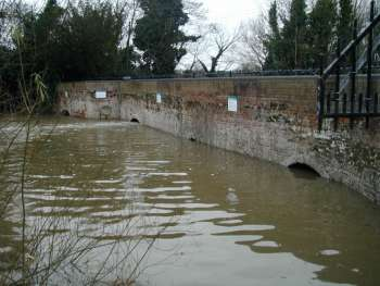 Wensum in flood 31st December 2002