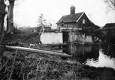 Coltishall lock house 1929