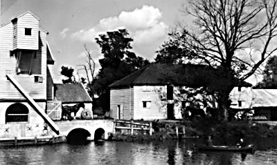 Wheelhouse and granary 1935