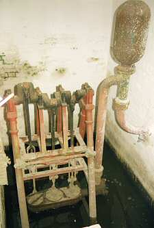 The 3 ram Bramah pump