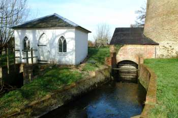 Pump house and wheelhouse March 2003