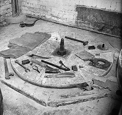 Stone dressing tools September 1950